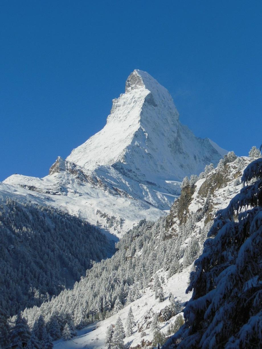 alpine-605879_1280
